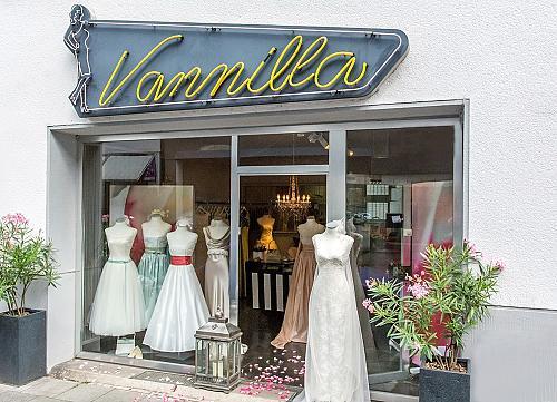 Brautmode Aachen Finden Sie In Den Aachener Branchen
